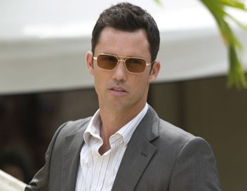 Burn Notice S03E06 Le chasseur