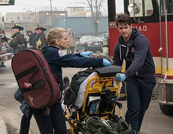 Chicago Fire S04E20 Une journée dans la vie d'un héros