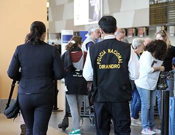 Ultimate Airport Pérou E06 Ados hors la loi