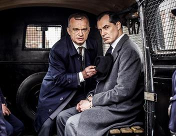 Les petits meurtres d'Agatha Christie S02E07 Le crime ne paie pas