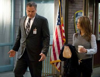 New York, section criminelle S10E01 De fil en aiguille