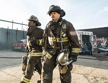 Chicago Fire S05E22 Dos au mur