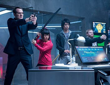 Heroes Reborn S01E06 Game Over
