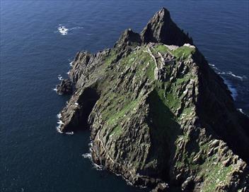 Vues d'en haut S09E00 Le long des falaises irlandaises
