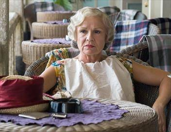 Indian Summers S01E10 Episode 10