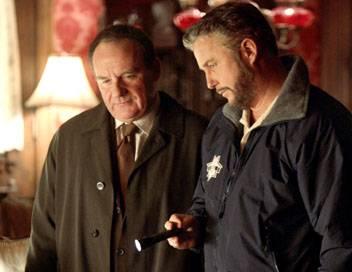 Les experts S05E11 Qui a tué Sherlock Holmes ?