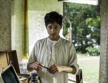Indian Summers S02E05 Cache-cache