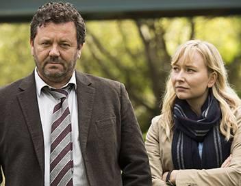 Brokenwood S01E01 Du sang et de l'eau