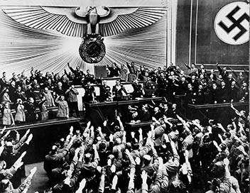 Hitler, du charisme au chaos E02