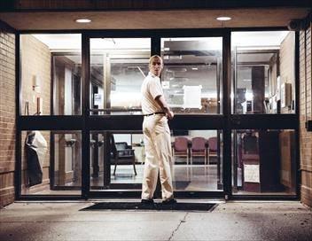 Hôpital hanté S01E05 L'ascenseur infernal / Le prédateur en pédiatrie / La visiteuse