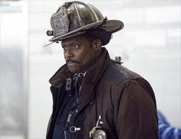 Chicago Fire S06E17 L'escroquerie