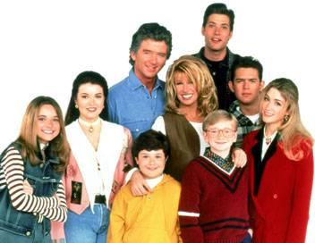 Notre belle famille S05E06 A l'Est, rien de nouveau