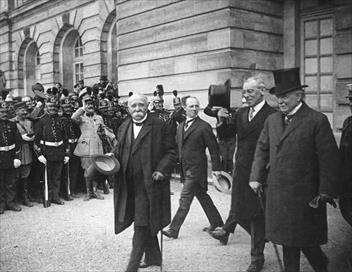 Sur France 3 à 23h30 : Les grandes erreurs du traité de Versailles