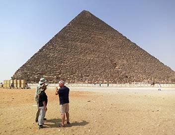 Les mystères du passé E01 Au coeur des pyramides d'Egypte