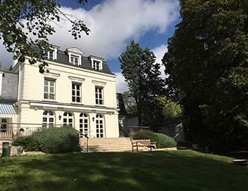 Une maison, un artiste S05E09 Raymond Devos, l'amuseur de Saint-Rémy