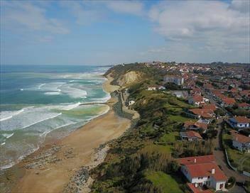Sale temps pour la planète S12E00 Pays Basque : péril en la demeure (1/2)