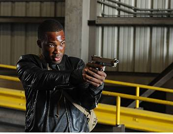 24 heures : Legacy S01E01 12h00 - 13h00