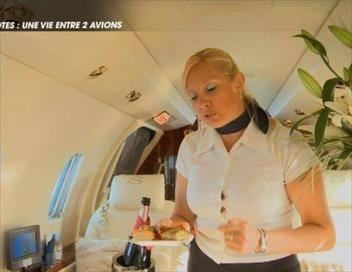 Les grandes histoires Hôtesses, stewart, pilotes : une vie entre deux avions (1)