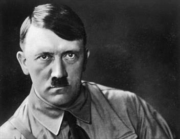Hitler, l'itinéraire E01 L'ascension d'un criminel
