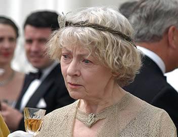 Miss Marple S01E01 Un cadavre dans la bibliothèque