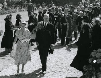Royal Tour of the 20th Century E01 Partie 1