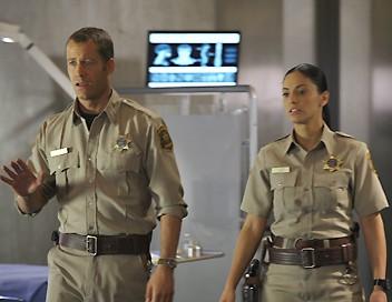 Eureka S03E05 Le virus de la momie