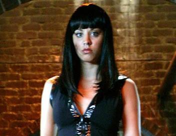 Charmed S08E02 Traquées