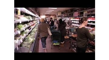 Ces supermarchés qui défient la grande distribution - Tout Compte Fait