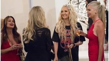 Les Real Housewives de Beverly Hills : Saison 7 épisode 2 - Oh, la belle voiture !