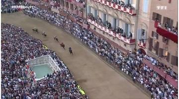 Sept à huit - A Sienne, une course folle de cavaliers…