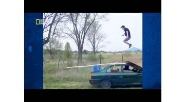 Science of stupid - Comment sauter par dessus une voiture qui roule ?