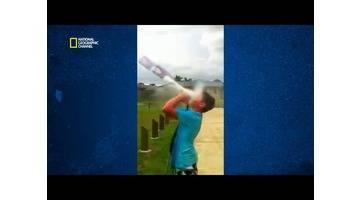 Science of stupid - Hilarant ! Comment faire une fusée avec une bouteille ?