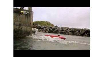 Science of stupid - Comment sauter d'une falaise en kayak ?