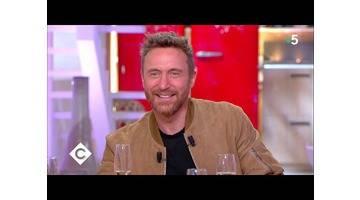 Au dîner avec David Guetta ! - C à Vous - 30/11/2018